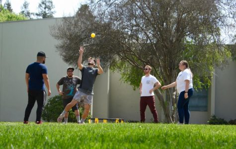 Spike Ball on Campus