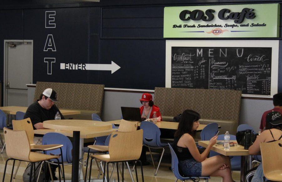 COS+Cafe+offers+a+food+and+rest+area+on+the+Visalia+campus%3B+however+the+room+can+get+crowded+during+peak+times.+COS+Cafe+hopes+to+ease+the+crowds+with+online+ordering.