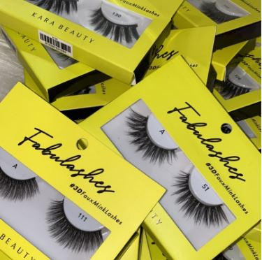 How I Started An Eyelash Business At Home