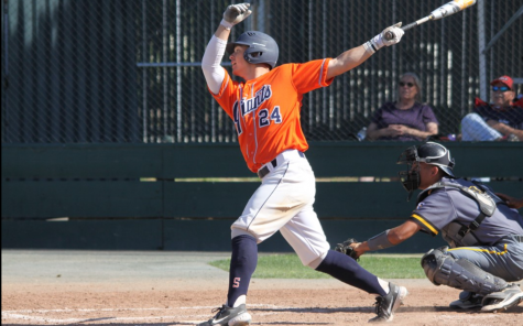 Outfielder Andrew Valdez goes deep for the Homerun in the top of the 8th inning