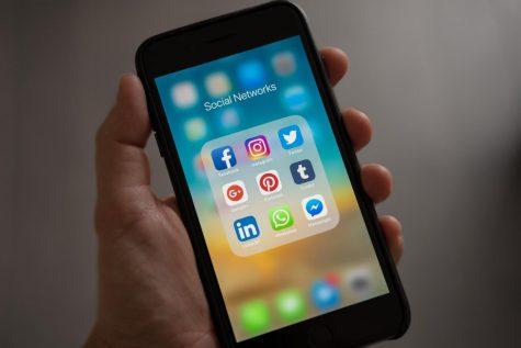 Does social media divide people?