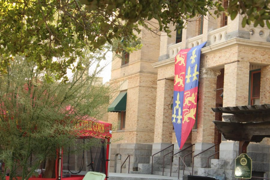 Medival flag hanging from the Old  County of Kings Court House.